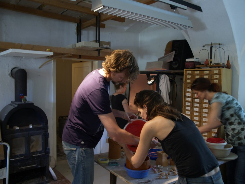 Auftragen keramischer Glasuren